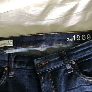 Gap 1969 Real Straight Dark Jeans